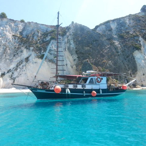 Kefalonia Boat Trips - Kefalonia Daily Cruises with Queen Bee from Argostoli